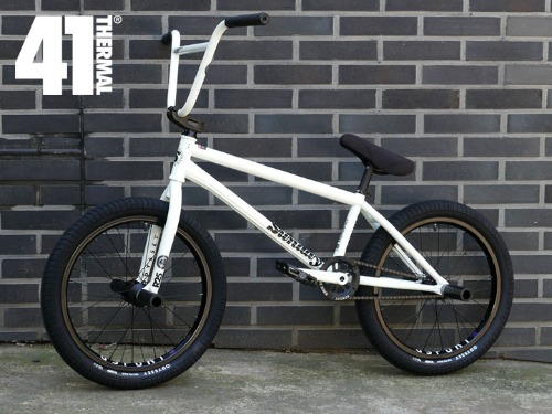 [한정 수량 모두 완판!]BUILT by SHREDD X LIMITED EDITION GLOW IN THE DARK BMX SUPER CUSTOM BMX