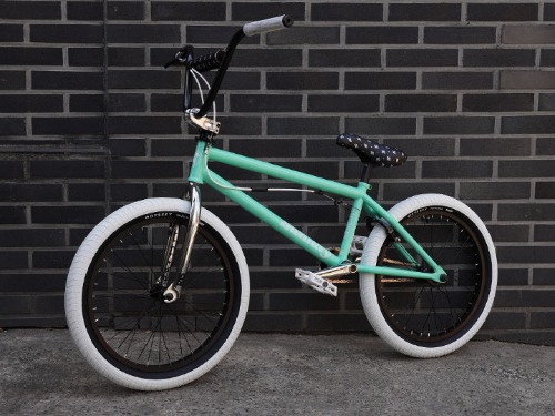 SUNDAY DISCOVERY 'Built by SHREDD' CUSTOM BMX [Toothpaste&White]